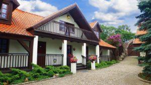 Dom na Mazurach nad jeziorem